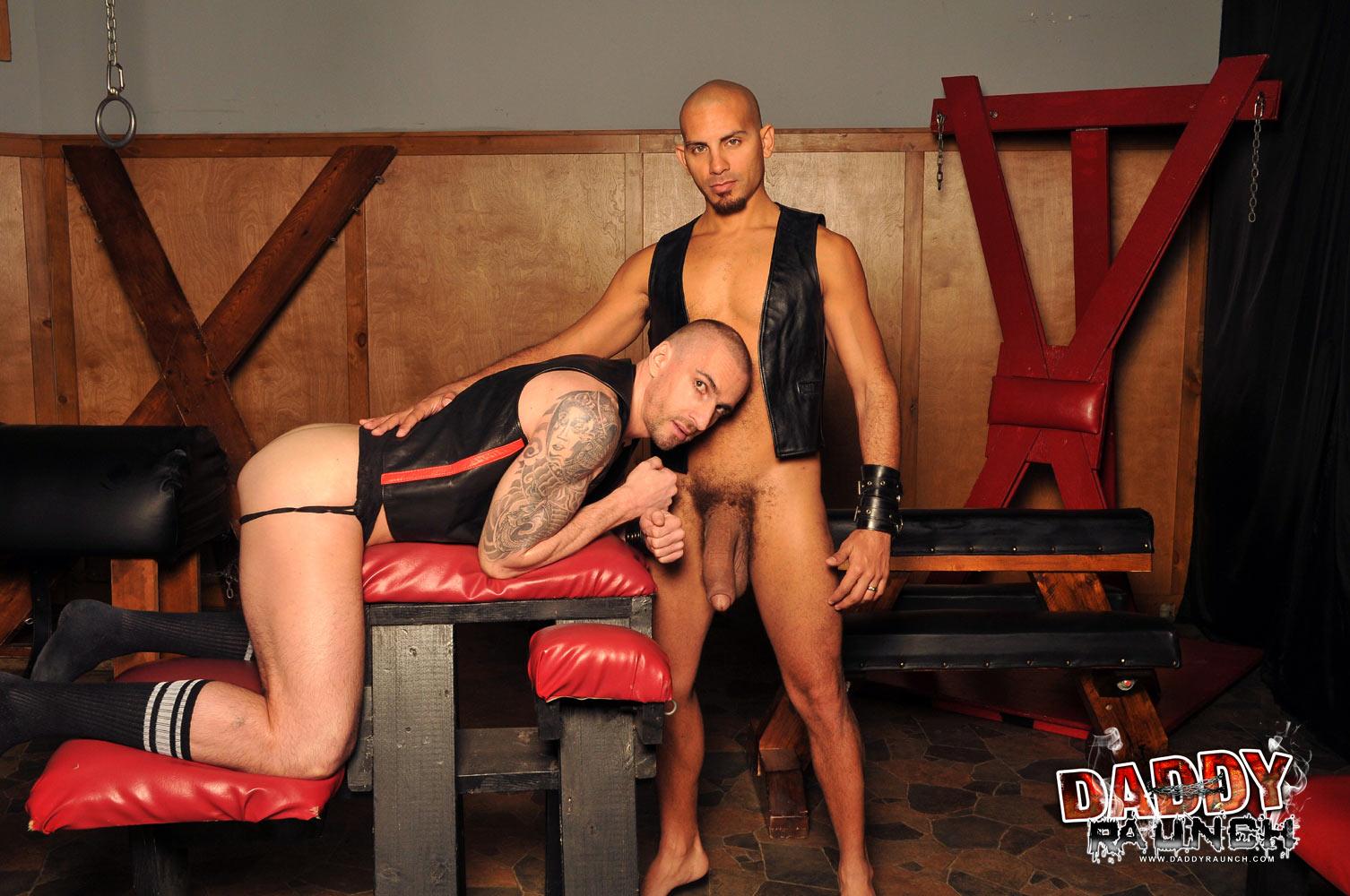 "Daddy-Raunch-Antonio-Biaggi-Kriss-Aston-Huge-Uncut-Cock-Barebacking-Amateur-Gay-Porn-05 Antonio Biaggi Barebacks A Hot Daddy Ass With His 12"" Uncut Cock"