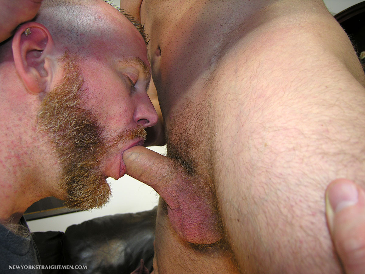 New-York-Straight-Men-Officer-T-and-Sean-Straight-Guy-Getting-Cock-Sucked-By-A-Gay-Guy-Amateur-Gay-Porn-05 Straight New York City Cop Gets His First Blow Job From A Gay Guy
