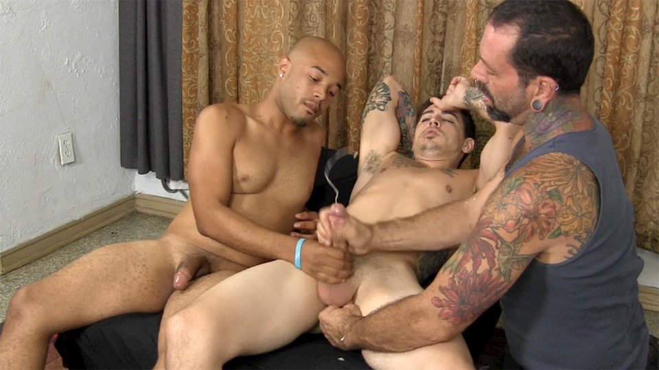 Straight-Fraternity-Franco-Lance-and-Tommy-Interracial-Straight-Cock-Sucking-Amateur-Gay-Porn-19 Two Amateur Straight Fraternity Brothers Shooting Cum With A Gay Guy