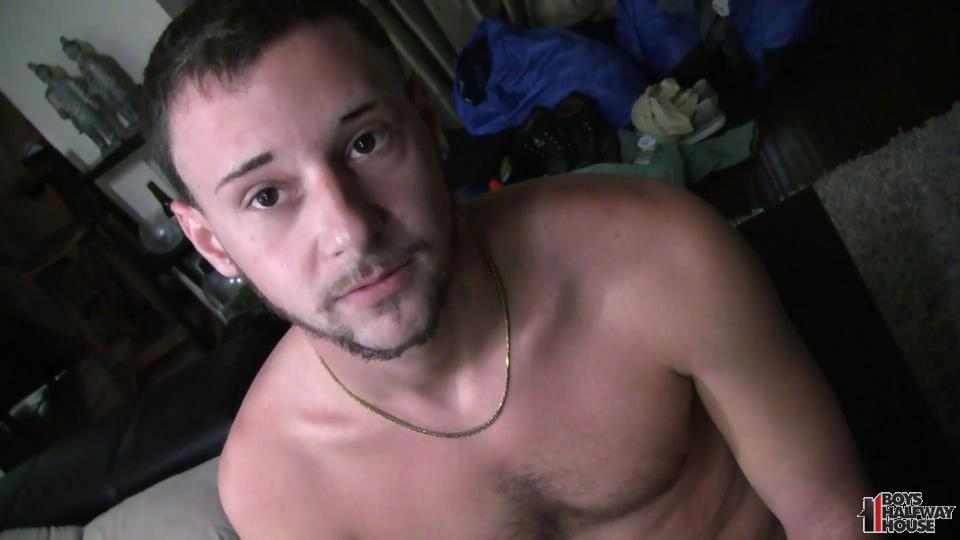 Boys-Halfway-House-Aaron-Straight-Guy-Getting-Fucked-Bareback-Amateur-Gay-Porn-02.jpg